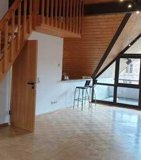 Modernisierte Maisonette-Wohnung mit zwei Zimmern und Balkon in Schopfheim