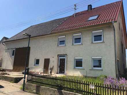 10-Zimmer-Bauernhaus zum Kauf in Schnittlingen