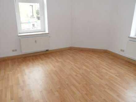 2 Zimmer Wohnung in Lichtentanne zu vermieten!!
