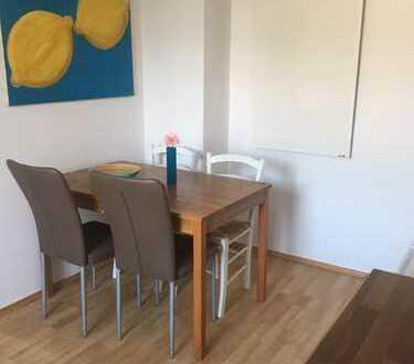 WG-geeignete 2-Zimmer-Wohnung mit Einbauküche in Ehrenfeld