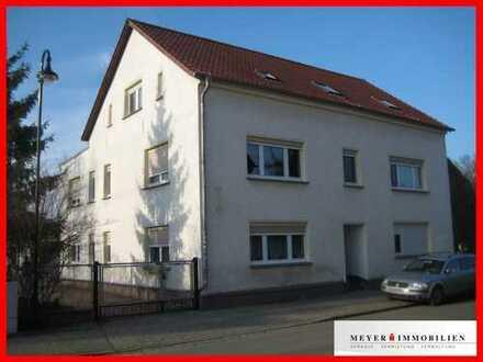 Neu renoviert & viel Platz für kleines Geld: Großzügige 1-Zimmerwohnung mit Wannenbad & Wohnküche