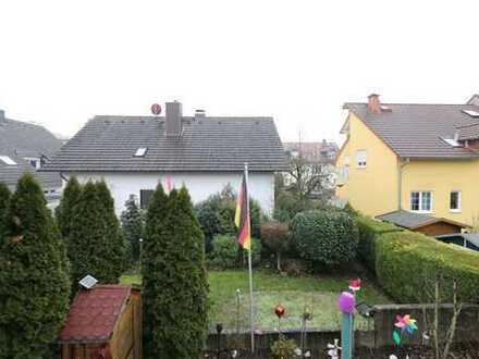 Komplett renoviert mit Luxus-Einbauküche! 3-Zimmerwohnung mit zwei Balkonen in Bestlage Rumpenheim!