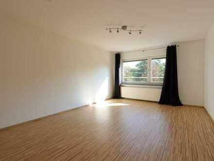 Exklusive, geräumige und vollständig renovierte 1-Zimmer-Wohnung mit EBK in Mainz