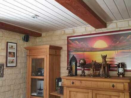 Gepflegte 3,5-Zimmer-Terrassenwohnung mit Terrasse und Einbauküche in Rödental