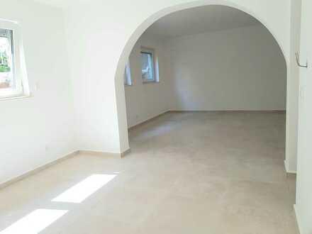 Kernsanierte 2,5 Zi. Souterrain-Wohnung mit Fußbodenheizung