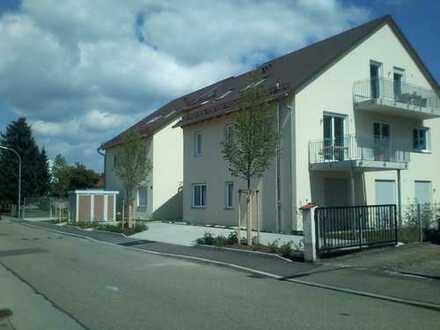 Neuwertige 4-Zimmer-EG-Wohnung mit Balkon und EBK in Ingolstadt