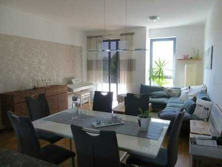 Sehr schicke Wohnung mit Balkon * für max. 4 Jahre *