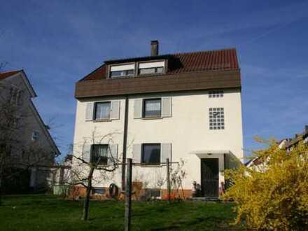 Ideales 2- bis 3-Familien-Haus mit herrlichen Gartenflächen in bevorzugter Lage von S-Heumaden
