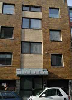 Studierendenfreundliches, zentrales 1-Zimmer-Apartment in Seitenstraße in Köln-Kalk mit Balkon u EBK