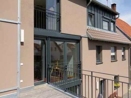 Großzügige, helle 5-Zimmer Wohnung in Kirchheim/Teck (Stadtteil Jesingen) mit EBK, Terrasse, Garten
