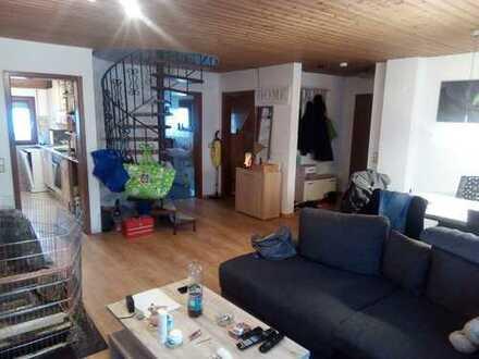 Gemütliche 3,5-Zimmer-Maisonette-Wohnung mit EBK in Köngen