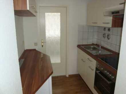 Helle gemütliche 2-Raum-Single-Wohnung im Hochparterre - moderne Einbauküche - neu Renovierung