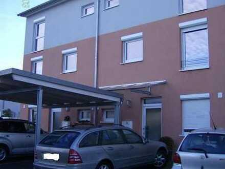 Neuwertiges modernes Reihenmittelhaus mit Top Ausstattung & Terrassen in Südlage