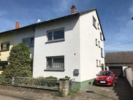 Zweifamilienhaus mit teilausgebautem Dach und schönem Garten +++ Reilingen +++