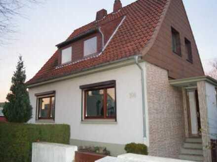 Vollunterkellerstes Einfamilienhaus mit Garten in Bremerhaven