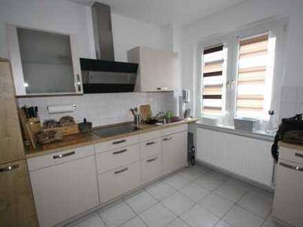 myHome-Immobilien / Suuupergünstige große 3 Zi-Wohnung mit Einbauküche und S-Bahn Nähe und Balkon