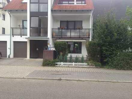 Schöne, geräumige drei Zimmer Wohnung in Mannheim, Niederfeld