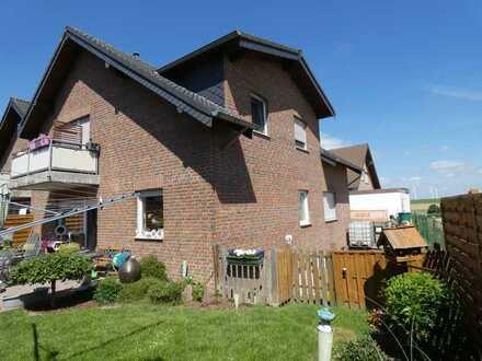 Moderne, gepflegte, helle 3 Zimmer-Wohnung mit Balkon in Elsdorf/Oberembt!!!