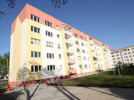 Renovierte, preisgünstige Wohnung mit Balkon sucht nette Bewohner