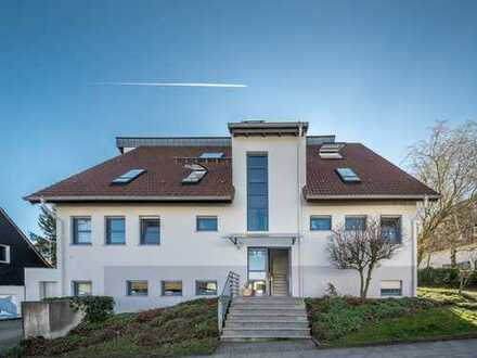 exklusive Maisonettewohnung mit Balkon & Galerieetage | Panoramablick in Top-Lage | saniert