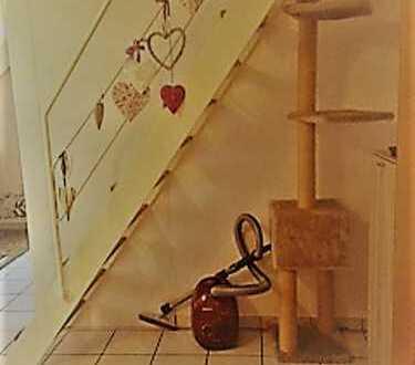 Titel: Schön geschnittene 2 Zimmer Dachgeschoss-Wohnung + Galerie in Bestlage