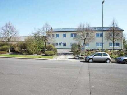 Moderner Bürokomplex an der A 48