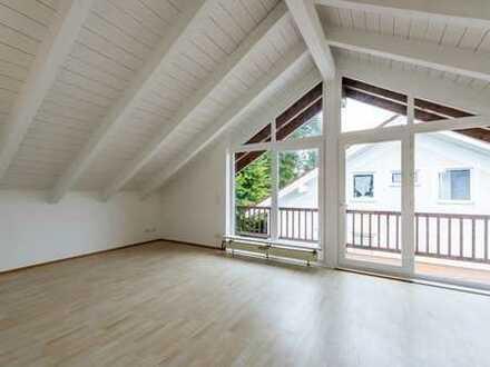 Charmante 2-Zimmer-DG-Wohnung mit Einbauküche und Balkon in Geretsried (von Privat)