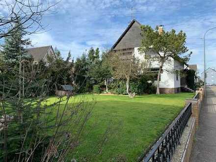 Freistehendes Haus mit großem Garten und Garage in Hagenbach