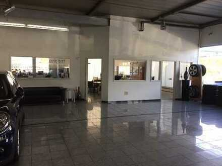Autohaus mit Büros