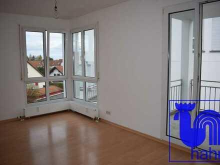 Für Kapitalanleger: schöne, neu vermietete 2-Zimmer-ETW mit nettem Balkon und Doppelparkerstellplatz
