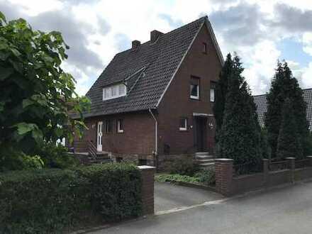 Großzügiges 6 ZKB Einfamilienhaus mit großem Grundstück - Schubertstraße