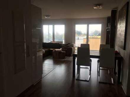 Stilvolle, neuwertige 3-Zimmer-Wohnung mit großem Balkon und Einbauküche in Sindelfingen