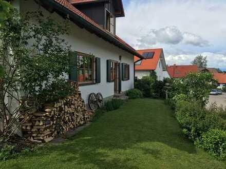 Schönes offenes Haus mit großem Grundstück im Unterallgäu zu vermieten