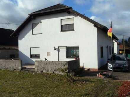 -- Schickes Einfamilienhaus - Ortsrandlage - in Dörrebach bei Stromberg gesucht? --