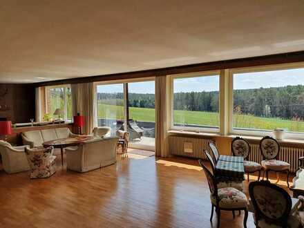 Pferdehaltung möglich: Ebenerdige 3-Zimmer-EG-Wohnung mit Balkon und EBK