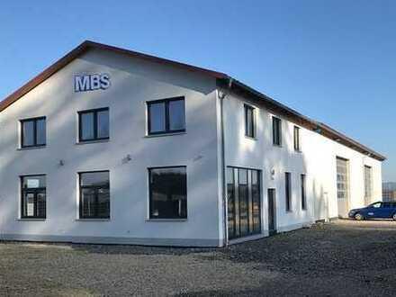 Hochwertige Hallen- und Büroflächen an der A93 **Provisionsfrei**
