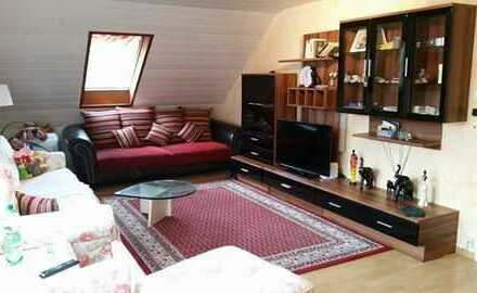 Schöne 2-Zimmer-Dachgeschosswohnung mit Einbauküche in Gernsbach