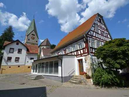 Schöne 3-Zimmerwohnung mit Südterrasse im Zentrum von Hildrizhausen