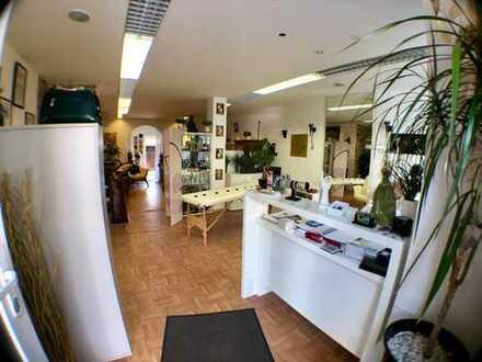 Schöne Ladenfläche mit ca. 60m², Kaffeeküche und Terrasse im Hinterhof