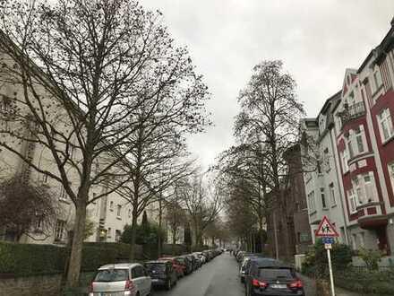 Attraktive, modernisierte 4-Zimmer-Wohnung mit gehobener Innenausstattung in Mülheim an der Ruhr