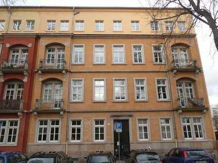 Helle 2-Zimmer Wohnung mit 2 Balkonen !