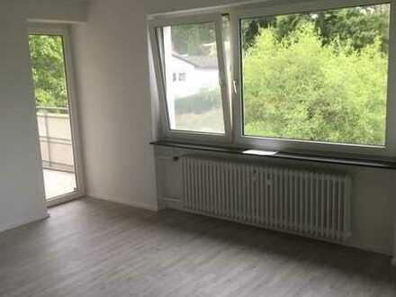 Günstige 3 Zimmerwohnung mit Duschbad und Balkon, gepflegt ab sofort zu vermieten
