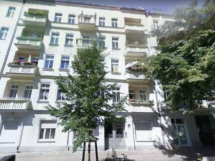 Exklusive 3-4 Zimmer-Wohnung mit Balkon und Einbauküche in Prenzlauer Berg, Berlin