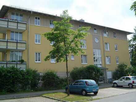 Single-Wohnung in Klotzsche mit Balkon, Laminat, Wannenbad