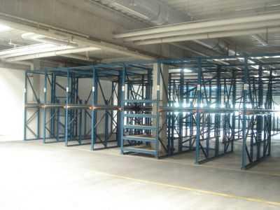 kurzlaufende Mietverträge möglich **Lager- und Bürogebäude mit Entwicklungspotential zu vermieten**