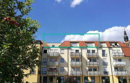 4 Zimmer mit Weitblick, frisch Saniert,2 Balkone, Dachterrasse, TG-Stellplatz, Fahrstuhl