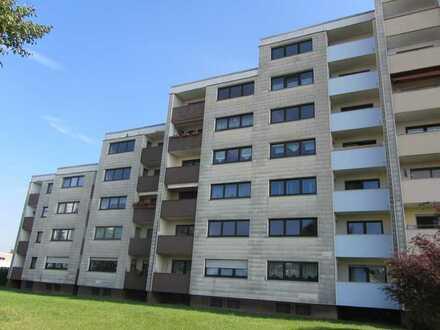 Helle, frisch renovierte 3-Zimmer Wohnung mit Balkon, neuem Bad und Blick über Mitterteich