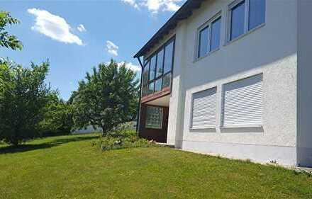 Wohnhaus mit Garage auf gr. Grundstück