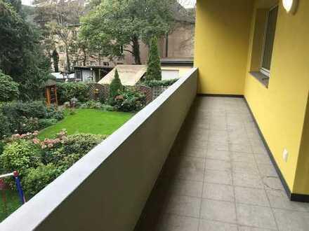 Renovierte Wohnung mit Balkon und Blick ins Grüne