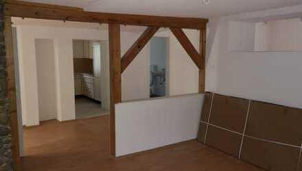 Große, Renovierte 3,5 Zimmer Wohnung, 1.OG in Loffenau mit Balkon
